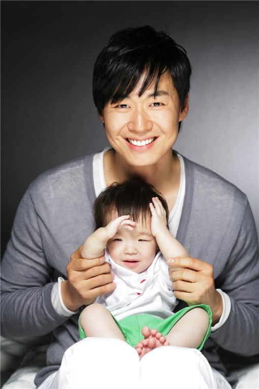 YEON JUNG HOON (연정훈) OPPA with LOVELY sMILe