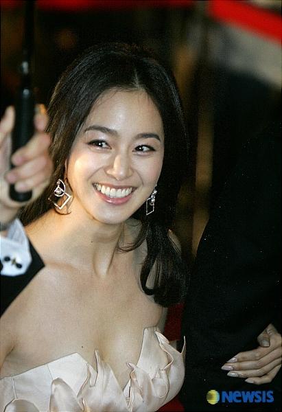 絕對泰希:: • 檢視主題- 2008.09.25刘在锡,金泰希,读很多书的艺人