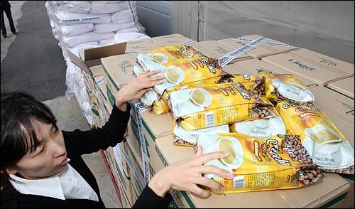 [뉴스] 멜라민 의심 식품 305개, 모두 공개합니다