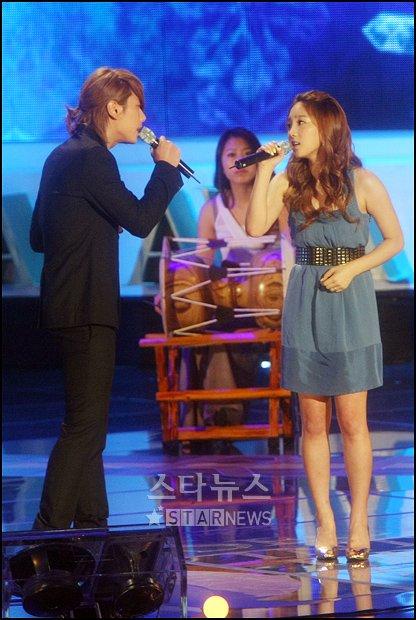 20090913225910787 [News] ปาร์ค ฮโยชิน ออกป้องโซนยอชิแด แทยอน ผมรู้สึกเป็นเกียรติอย่างยิ่งที่ได้ร่วมร้องเพลงกับเธอ