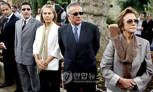 http://photo-media.daum-img.net/200909/26/yonhap/20090926222504017.jpg
