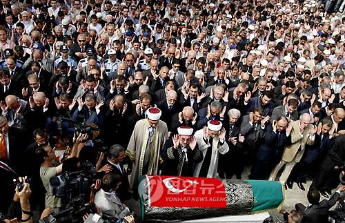 http://photo-media.daum-img.net/200909/26/yonhap/20090926222705357.jpg