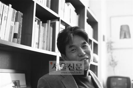 """박범신 """"소설 은교 꼭 밤에 읽으세요"""""""