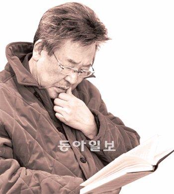 """[독서人]국민배우 최불암 """"자유인 조르바, 나도 그처럼 살고 싶다"""""""
